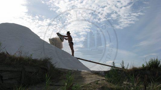 Traditional way of storing salt in the saltpans (Aveiro municipality, Ria de Aveiro region)
