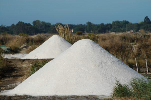 Salt mounds in the saltpans (Aveiro municipality, Ria de Aveiro region)