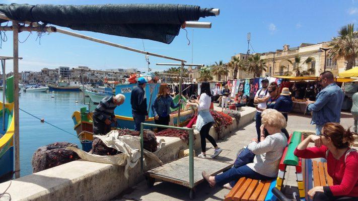 Interaction Tourist - Living Heritage